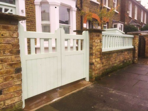 Mullion gates with railings to match